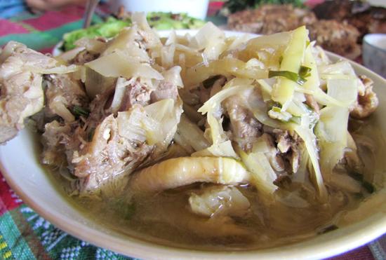 thịt gà nấu măng tươi 2
