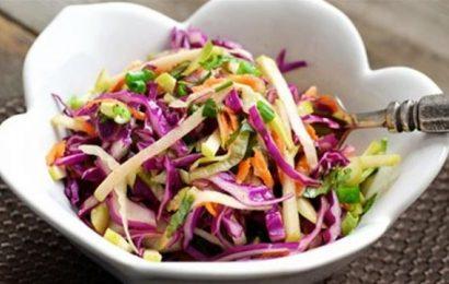 Bật mí cách làm salad bắp cải tím ngon đậm chất nhà làm