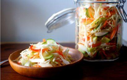 Bật mí cách muối bắp cải chua ngọt ngon như mua ngoài quán