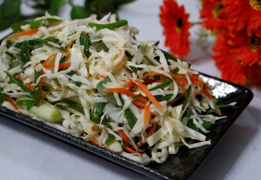 Hướng dẫn cách muối dưa bắp cải cà rốt ngon như mua ngoài quán