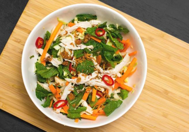 Bỏ túi ngay cách làm salad bắp cải tươi ngon giòn tại nhà