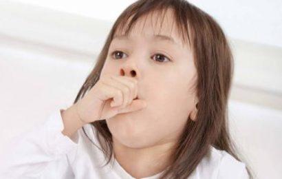 Trẻ bị ho có ăn được thịt gà không?