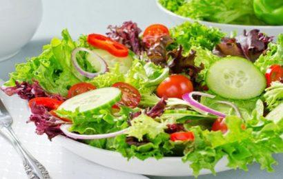Học ngay cách làm món salad rau trộn dầu giấm vô cùng đơn giản