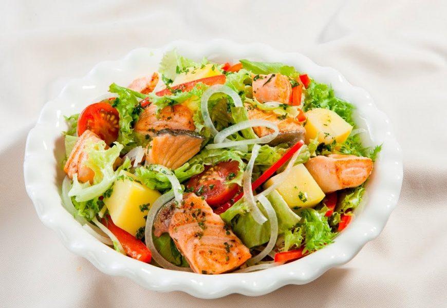 Bật mí cách làm salad cá hồi ngon mà bạn nên biết