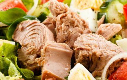 Hướng dẫn cách làm salad cá ngừ dầu dấm ngon như ngoài tiệm
