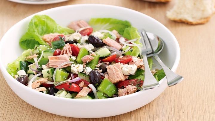 cách làm salad cá ngừ tươi 2
