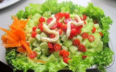 Cùng Emvaobep tìm hiểu về cách làm salad Nga táo nào