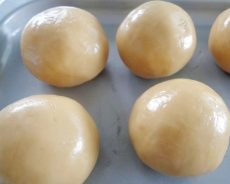 Cách làm vỏ bánh trung thu mềm mịn cho bánh nướng