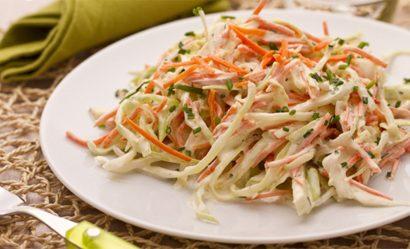 Mách bạn cách làm salad bắp cải tươi ngon tại nhà