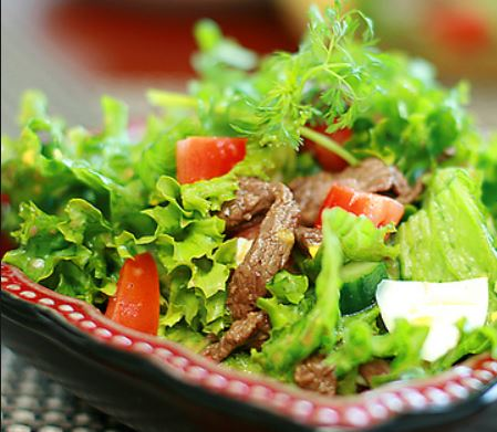 Bỏ túi ngay công thức salad bò dầu giấm ngon độc đáo