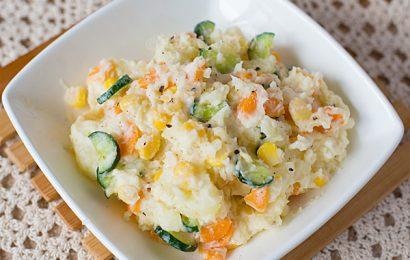 Mách bạn cách làm salad khoai tây cà rốt ngon đơn giản tại nhà