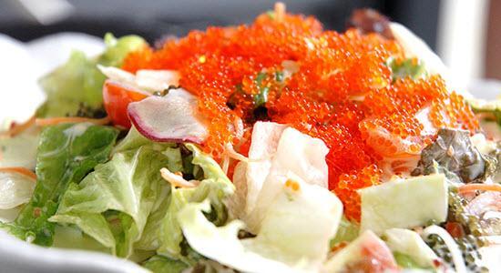 salad trứng cá hồi 1