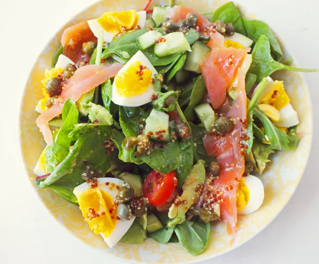salad trứng cá hồi 2