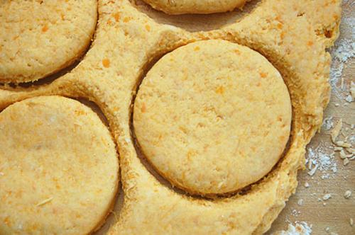 cách làm bánh khoai lang nướng 2