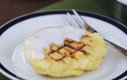 Cách làm bánh khoai mì nướng than thơm ngon độc đáo