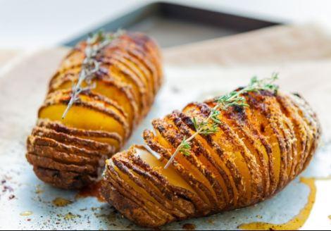 Cách làm khoai tây nướng thơm ngon ngất ngây cho mùa Đông lạnh
