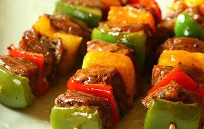 Học cách làm thịt heo xiên nướng rau củ ngon cho tiệc nướng