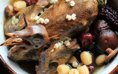 Cách làm món chim bồ câu hầm thuốc bắc cho bà bầu nhiều dinh dưỡng