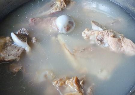 Cách nấu lẩu cua biển chua cay2