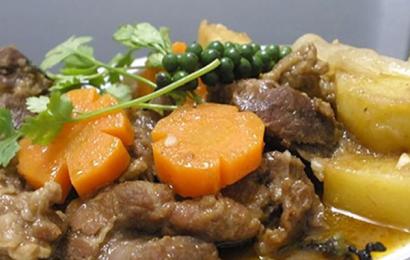 Công thức chuẩn để làm món đuôi bò hầm tiêu xanh