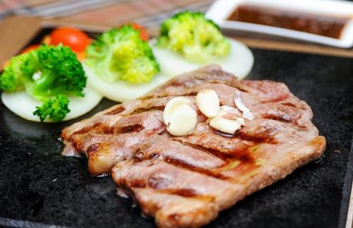 Món bò nướng đá-thưởng thức ngon, cách làm độc lạ