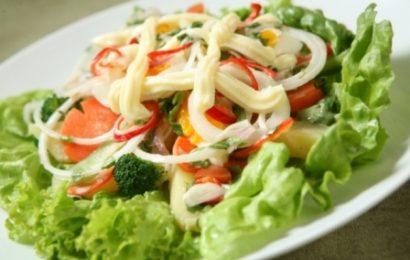 Cách làm salad xà lách với mayonnaise đơn giản dễ làm tại nhà