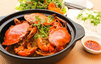Đơn giản cùng lẩu cua biển nấu bầu hấp dẫn thơm ngon