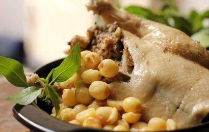 Đổi món với cách làm vịt xiêm hầm hạt sen đơn giản