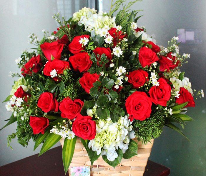 Cách chọn và cắm hoa hồng đẹp nhất cho ngày Tết