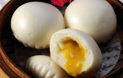Chuẩn chỉ từng cái bánh bao kim sa trứng muối thơm ngon