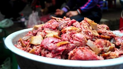 Cách nấu thịt chó rượu mận ngon quên sầu cho ngày mát mẻ